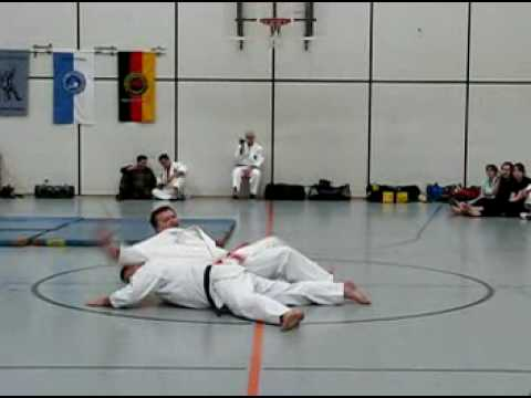 A jujutsu, a jiu jutsu és a jiu jitsu között mi a különbség?