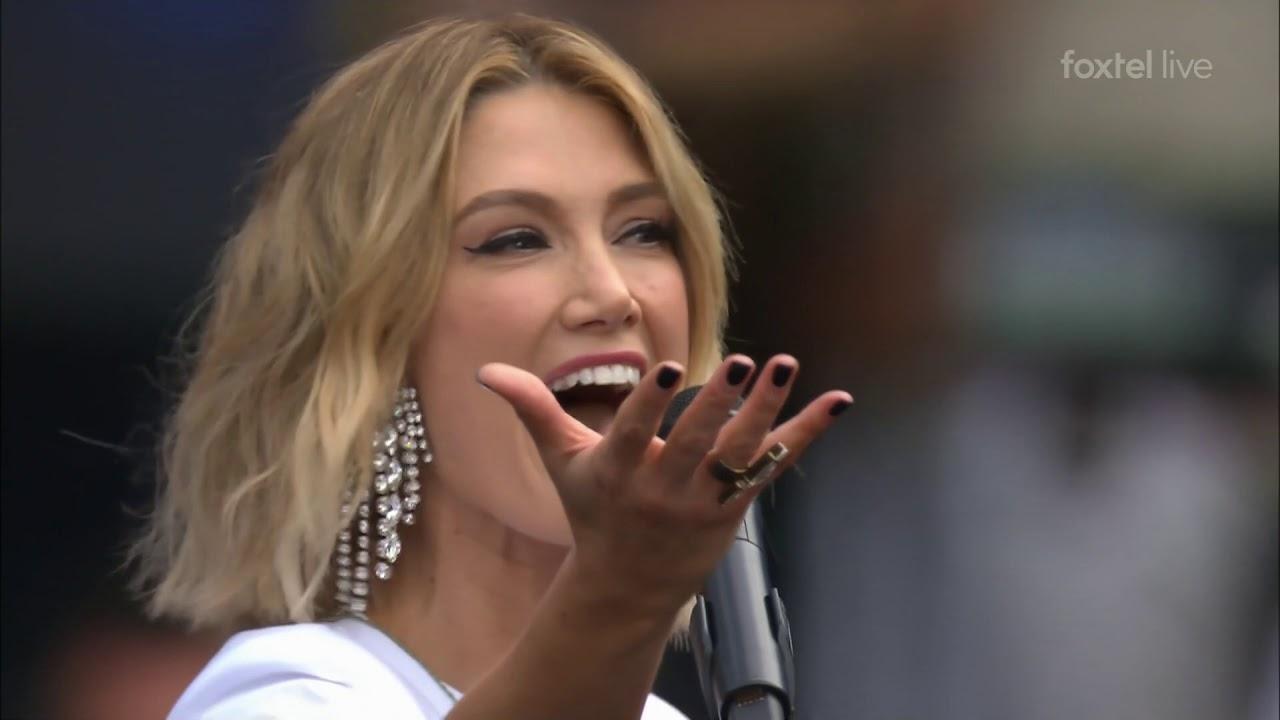 Britney Spears új külsővel debütál