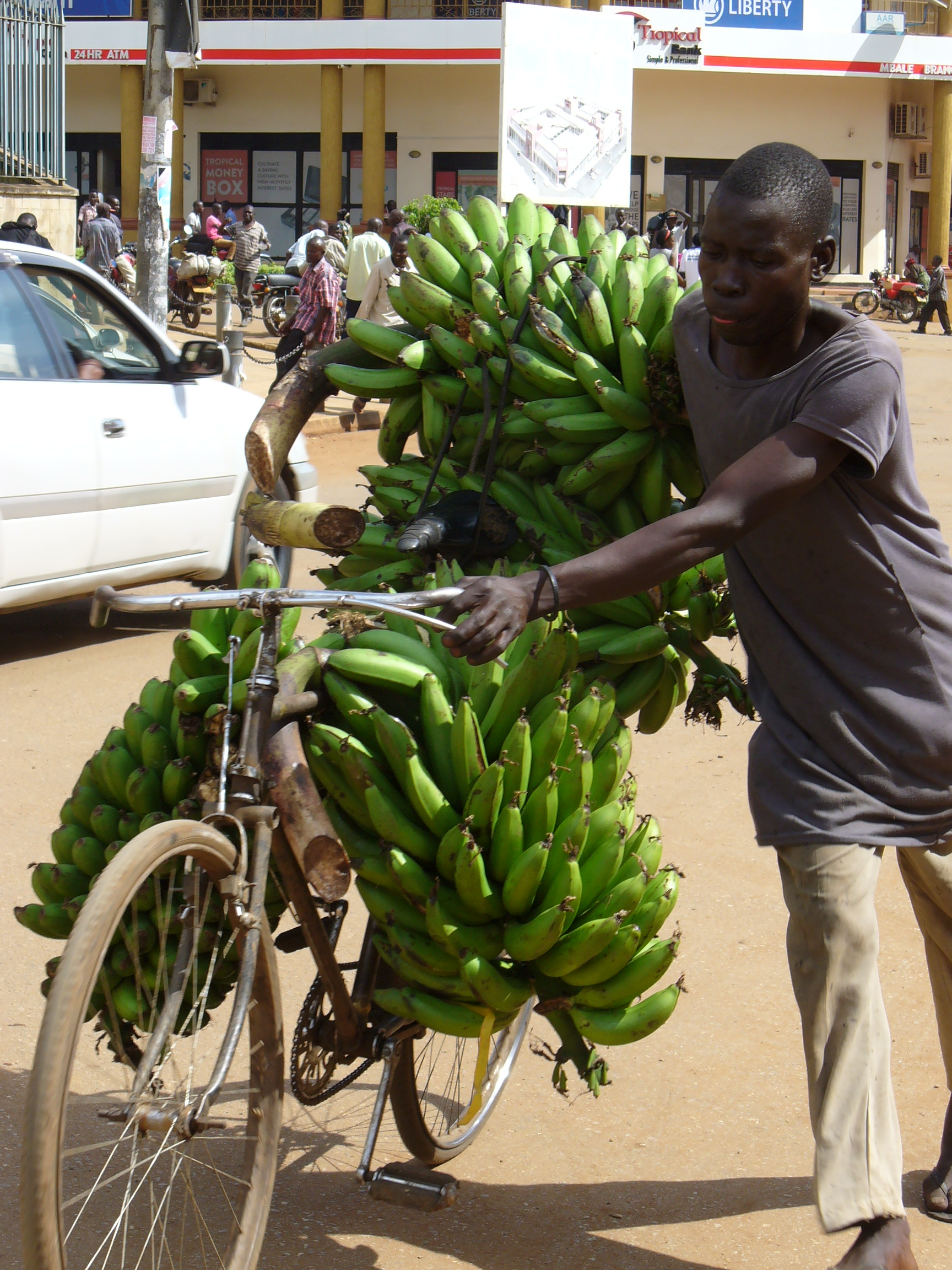 fogyni Ugandában)