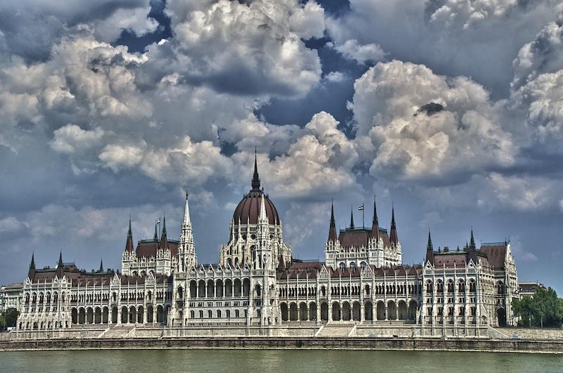Melléklet / A román mítoszképzés és kritikájának irányai - Látó Szépirodalmi Folyóirat