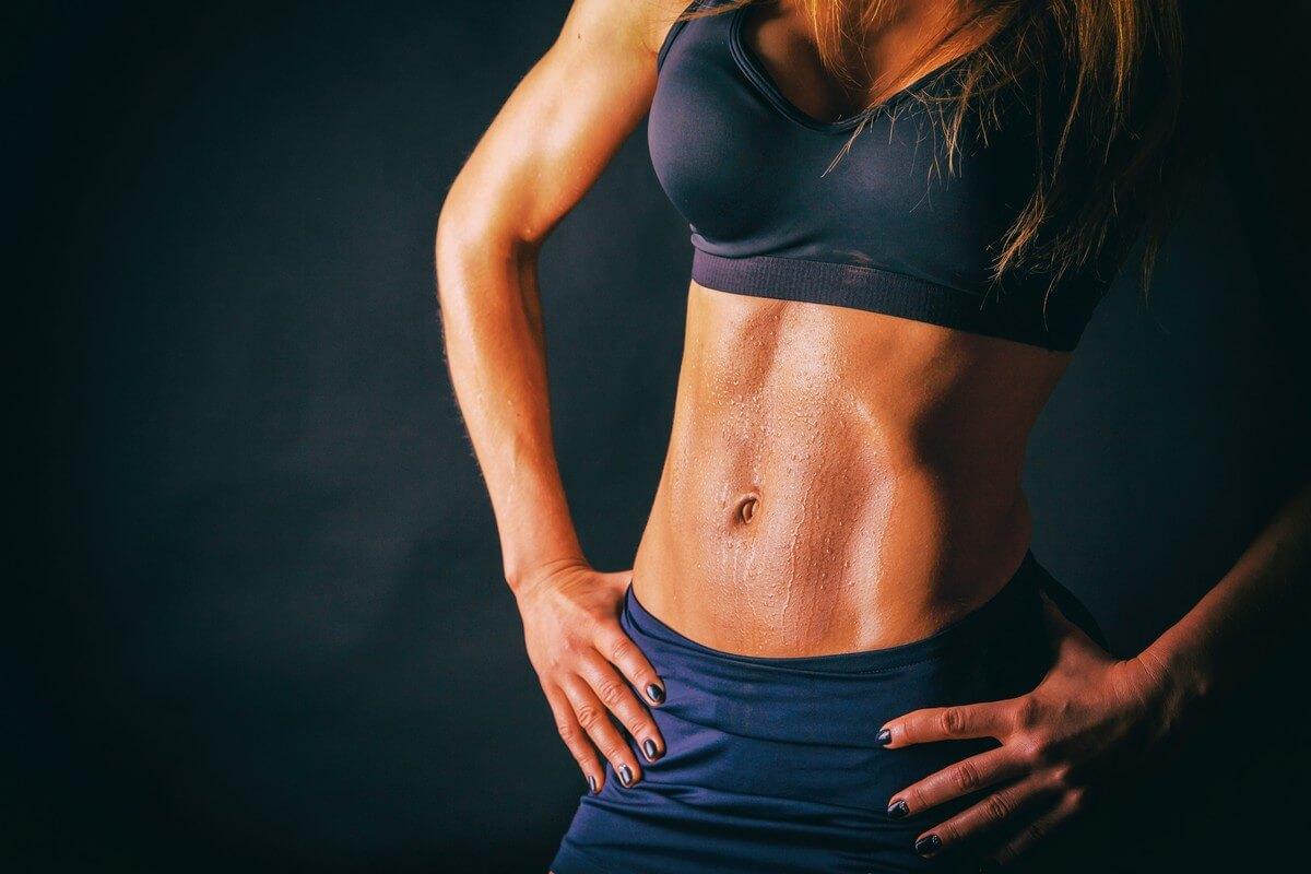 7+1 tuti tipp, hogy megszabadulj a makacs hasi zsírpárnáktól | Well&fit