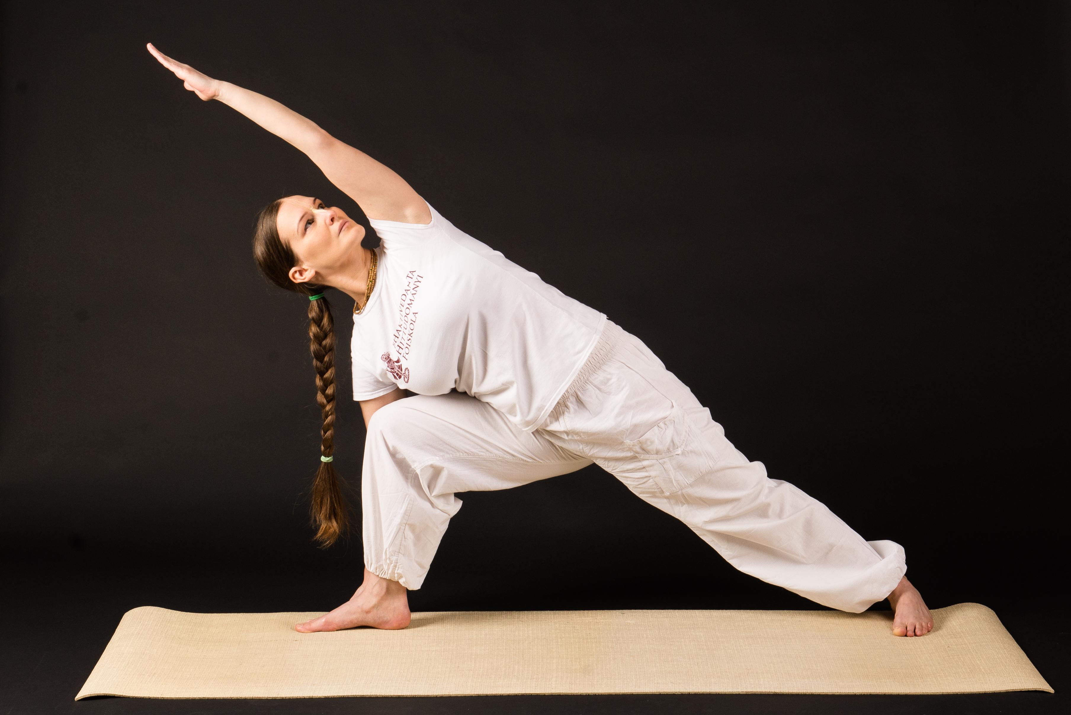 Retikütdke.hu - A jóga nemcsak relaxálásra jó: ezt próbáld ki, ha feszes feneket és lapos hasat akarsz
