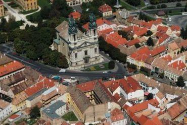 Romantikus torony őrzi Pályit   SZON