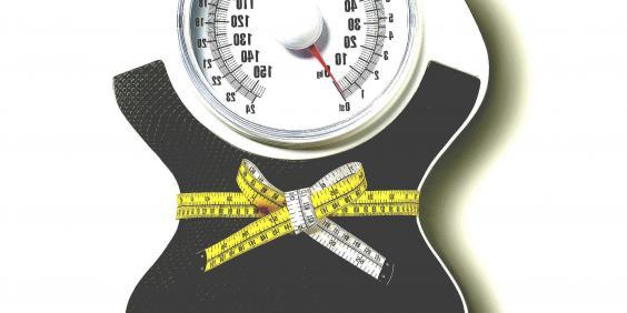 a súlyok segít a fogyásban)