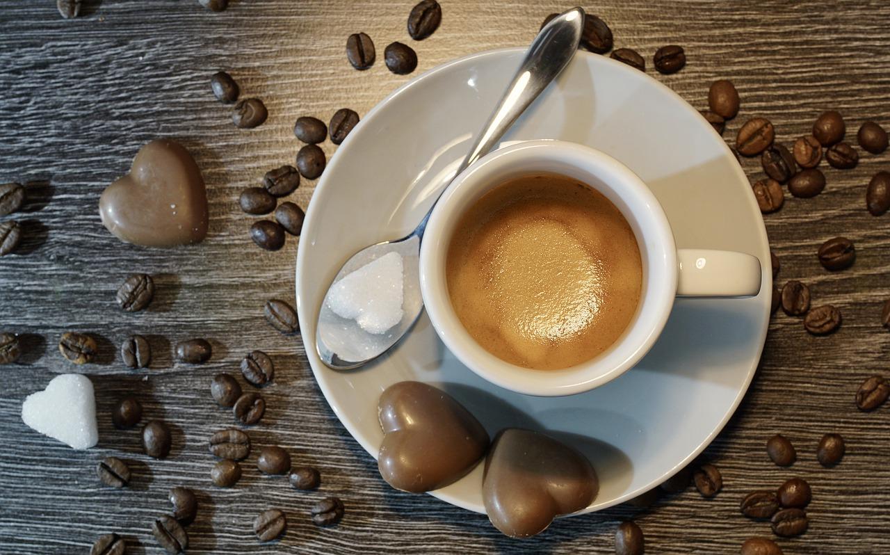 a kávé gátolja a fogyást)